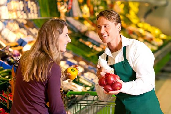 Aligning Customer and Employee Experience in Grocery Kronos